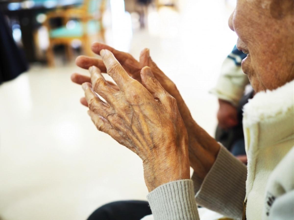 高齢者本人が老人ホームの入居を拒否!その場合の対応は?